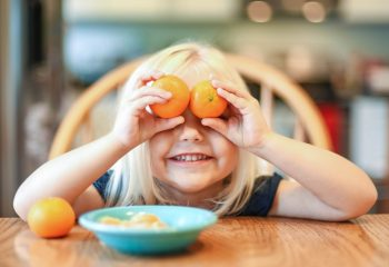 4 Ways To Get Your Toddler to Eat Healthy Foods